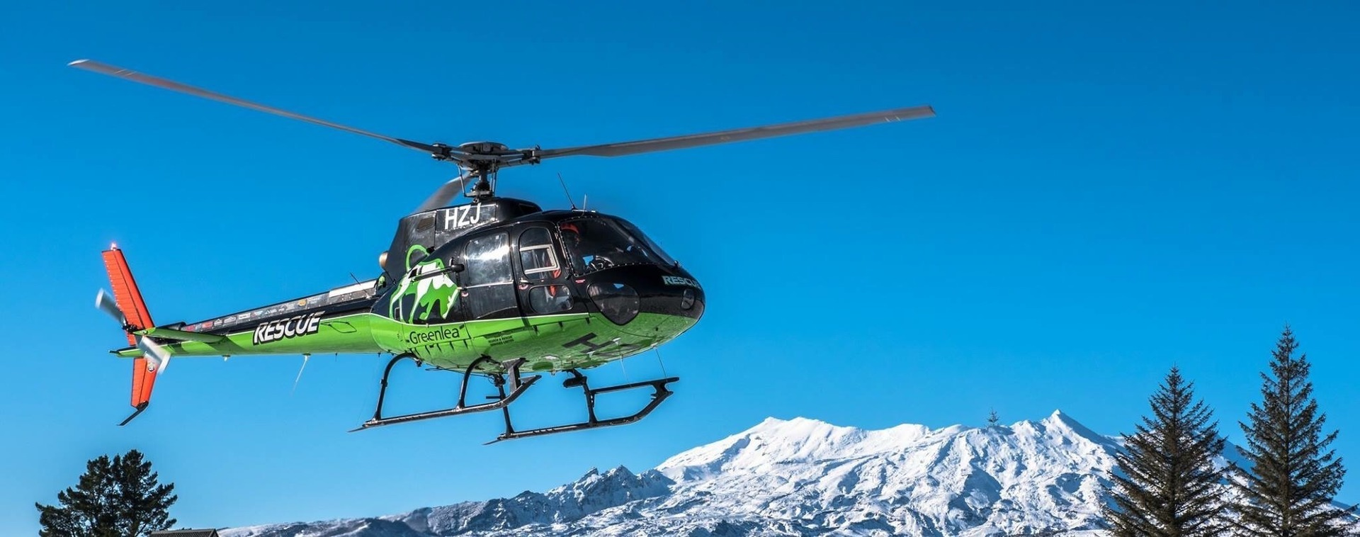 Woman climber in 20s rescued after 15 metre fall into Mt Ruapehu crevasse
