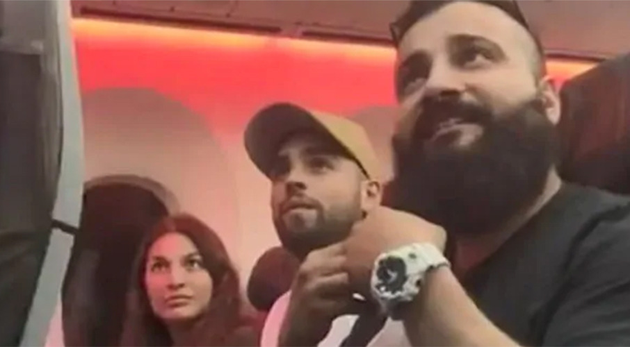 Family kicked off Jetstar flight, newlyweds claim airline ruined wedding