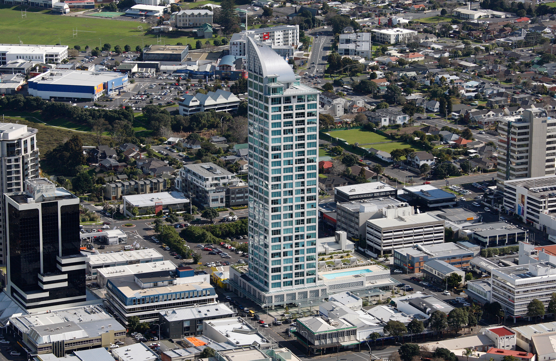 American selling $8.1m Sentinel penthouse after bolthole purchase: 'nobody's going to bomb NZ'