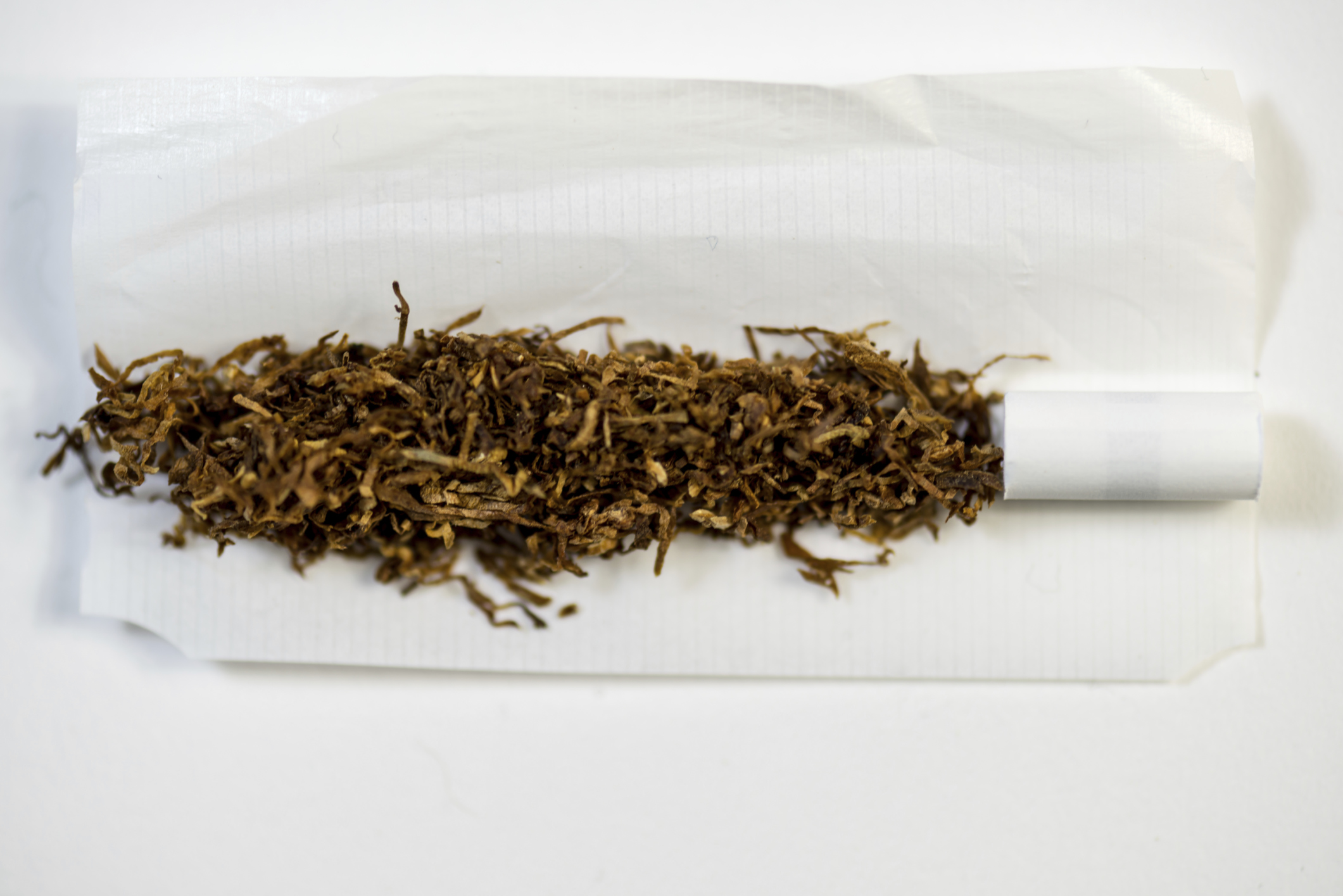 Ban roll-your-own tobacco - expert - NZ Herald