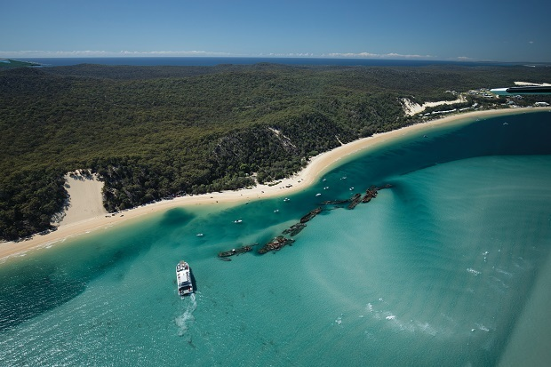 Moreton Island: Depths to the dunes in a day