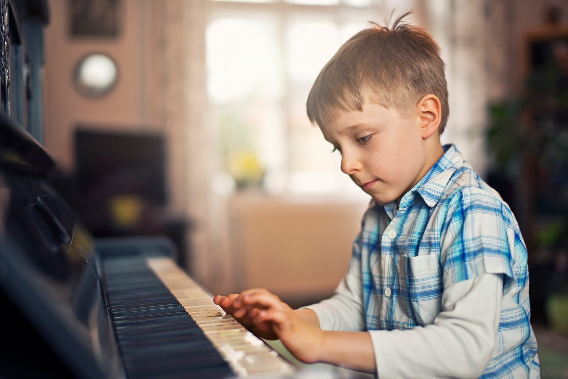 Nanogirl Michelle Dickinson: Students who play musical instrument perform better academically
