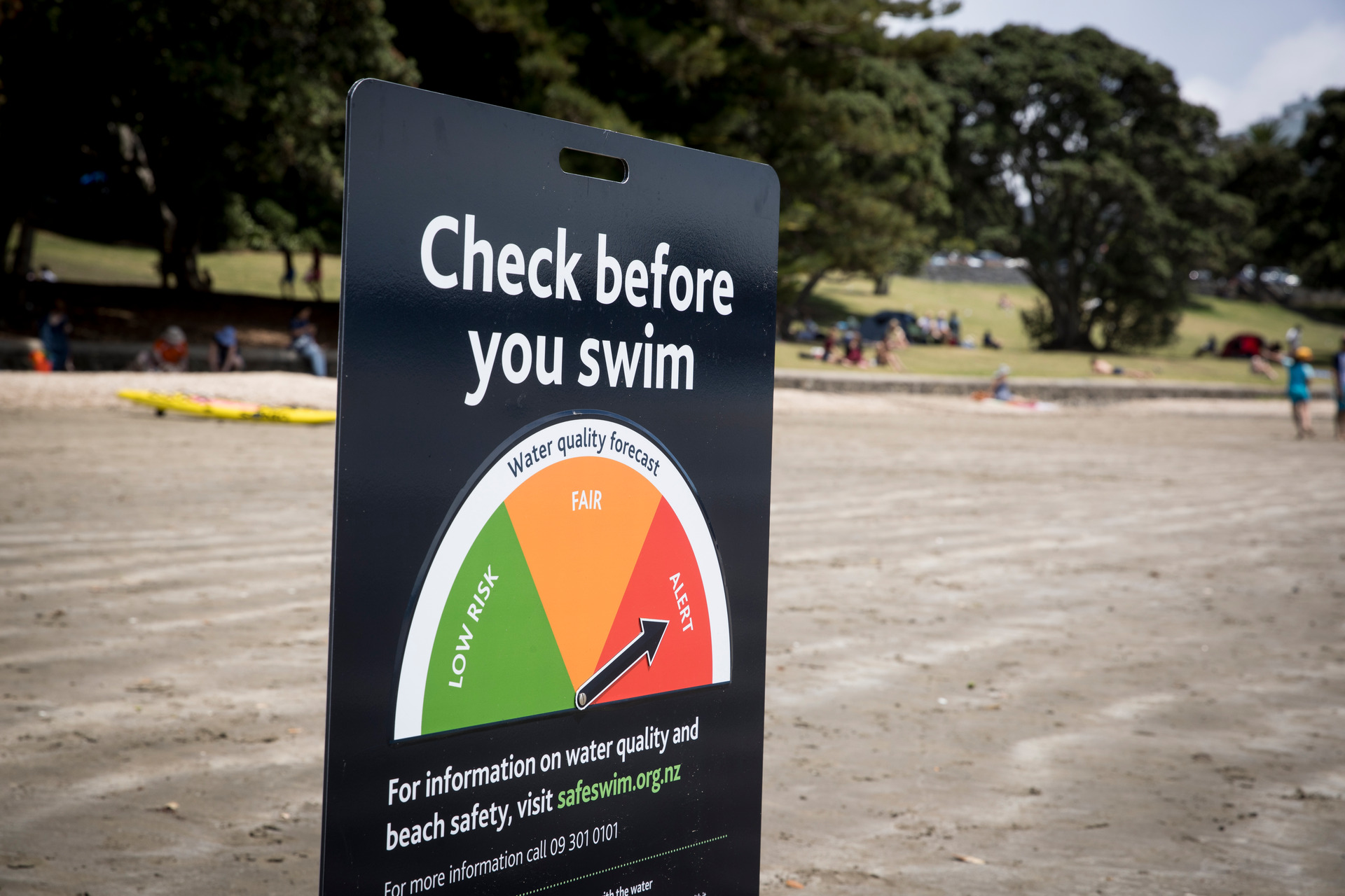 Auckland's Safeswim abandons orange light for beach warnings