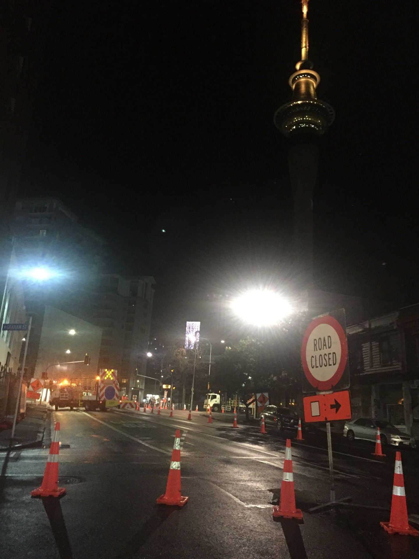 Traffic chaos expected in Auckland CBD this morning due to diversions after panel fell from building