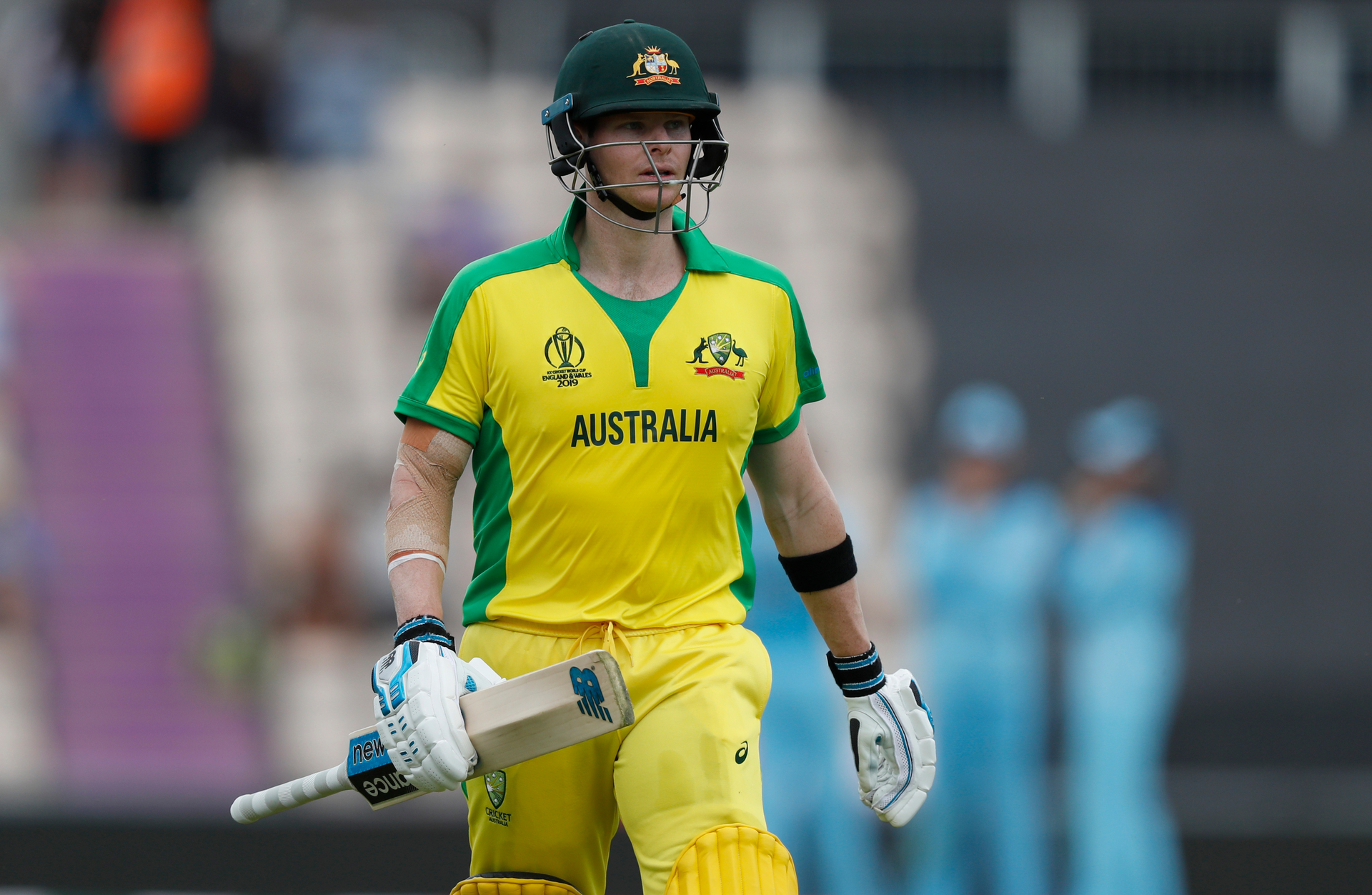 Steve Smith and David Warner booed, called cheats against England in World Cup warm up