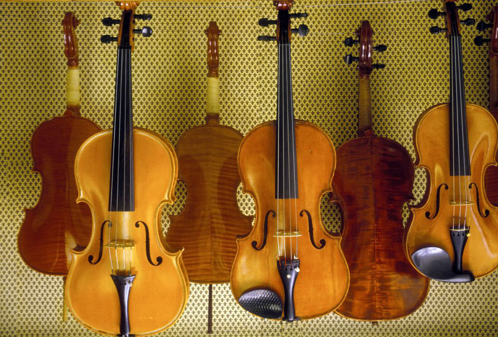 Italian town takes vow of silence for digital recording of centuries-old violins