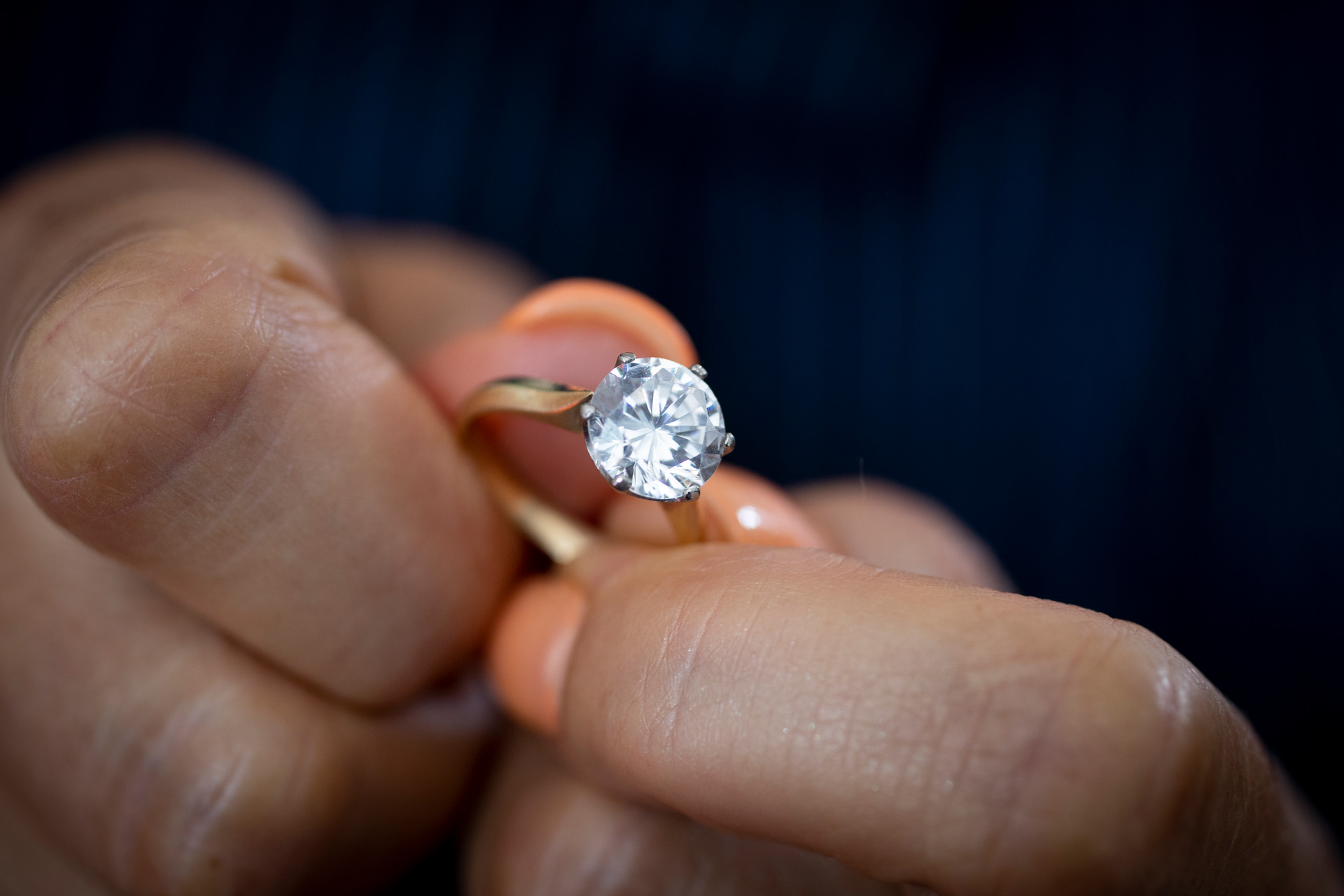 Mystery surrounds woman's $180,000 diamond ring swapped with $1000 stone
