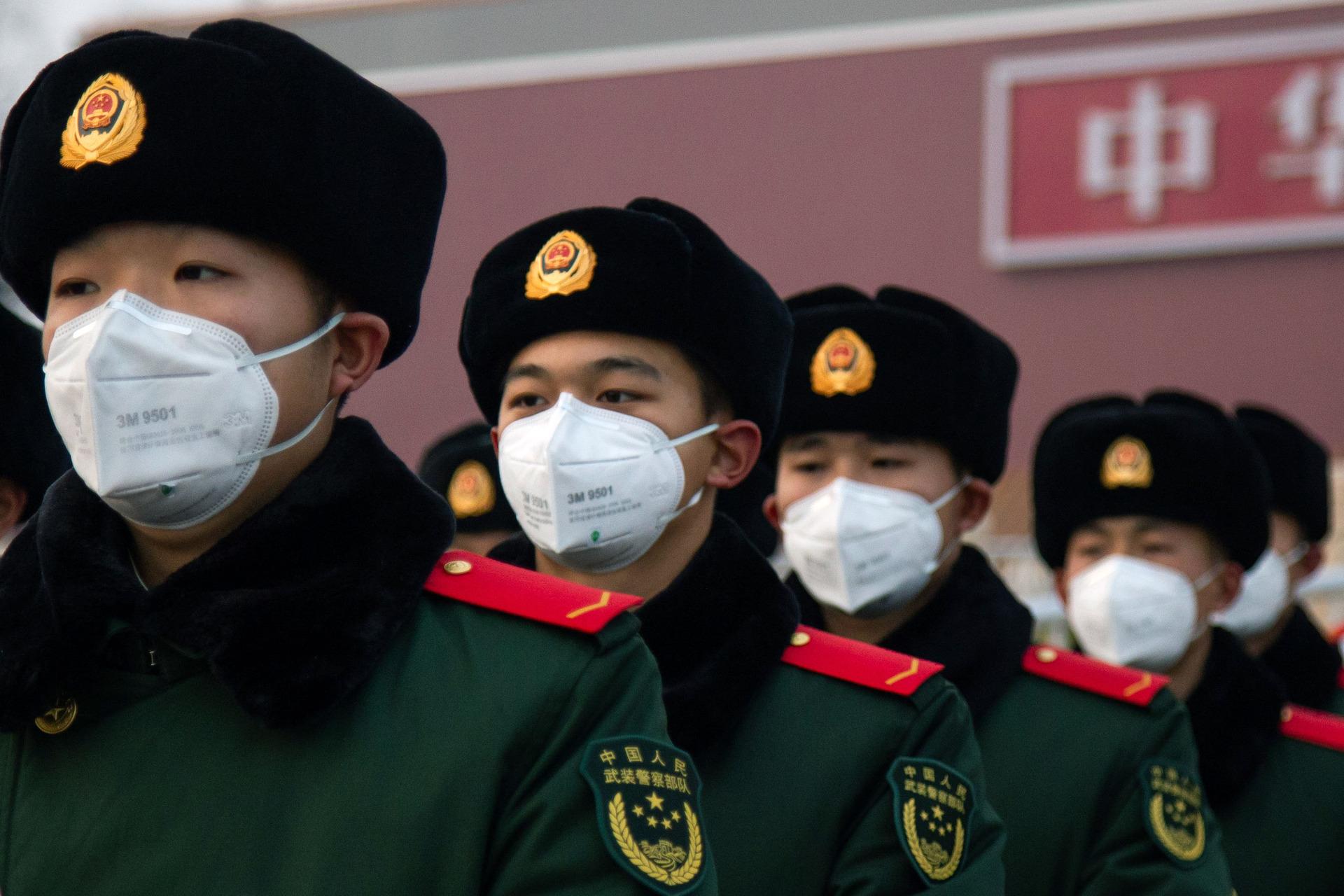 Global virus fears send stocks lower