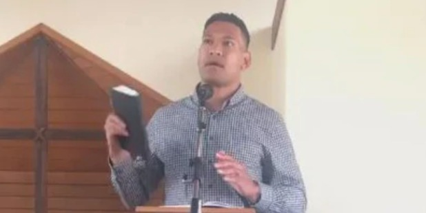 'Medieval fool': World reacts to Israel Folau's explosive bushfire blame