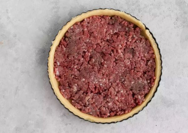 Horror as recipe confuses minced meat for Christmas 'mincemeat'