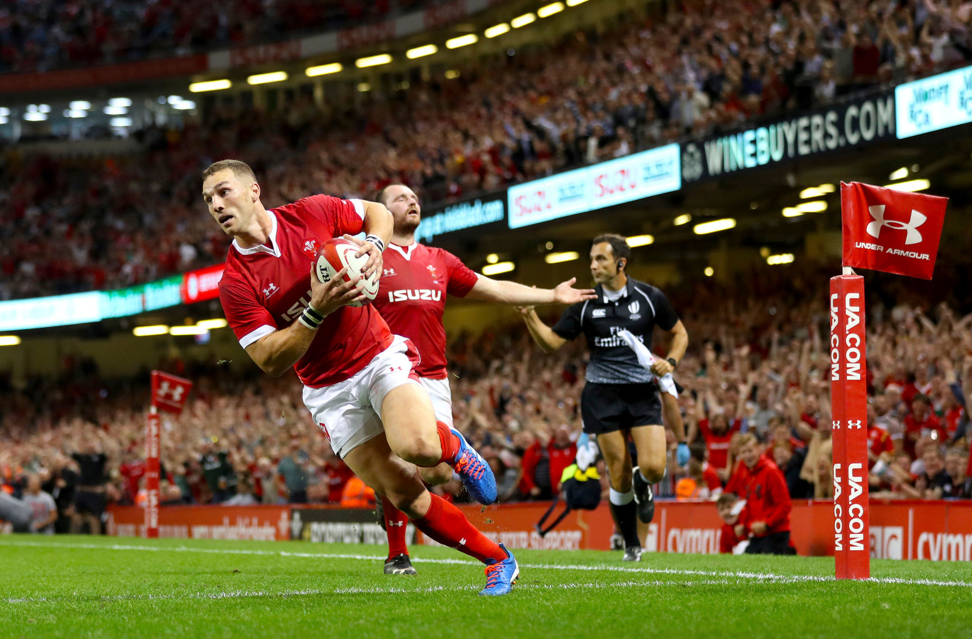 Rugby: Wales beat England, overtake All Blacks as top team in international rugby