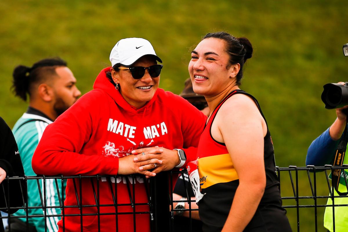 Athletics: Lisa Adams sets new world record in para shot put