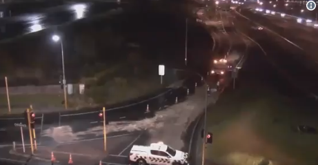 Major Auckland road re-opens after oil spill - expect delays