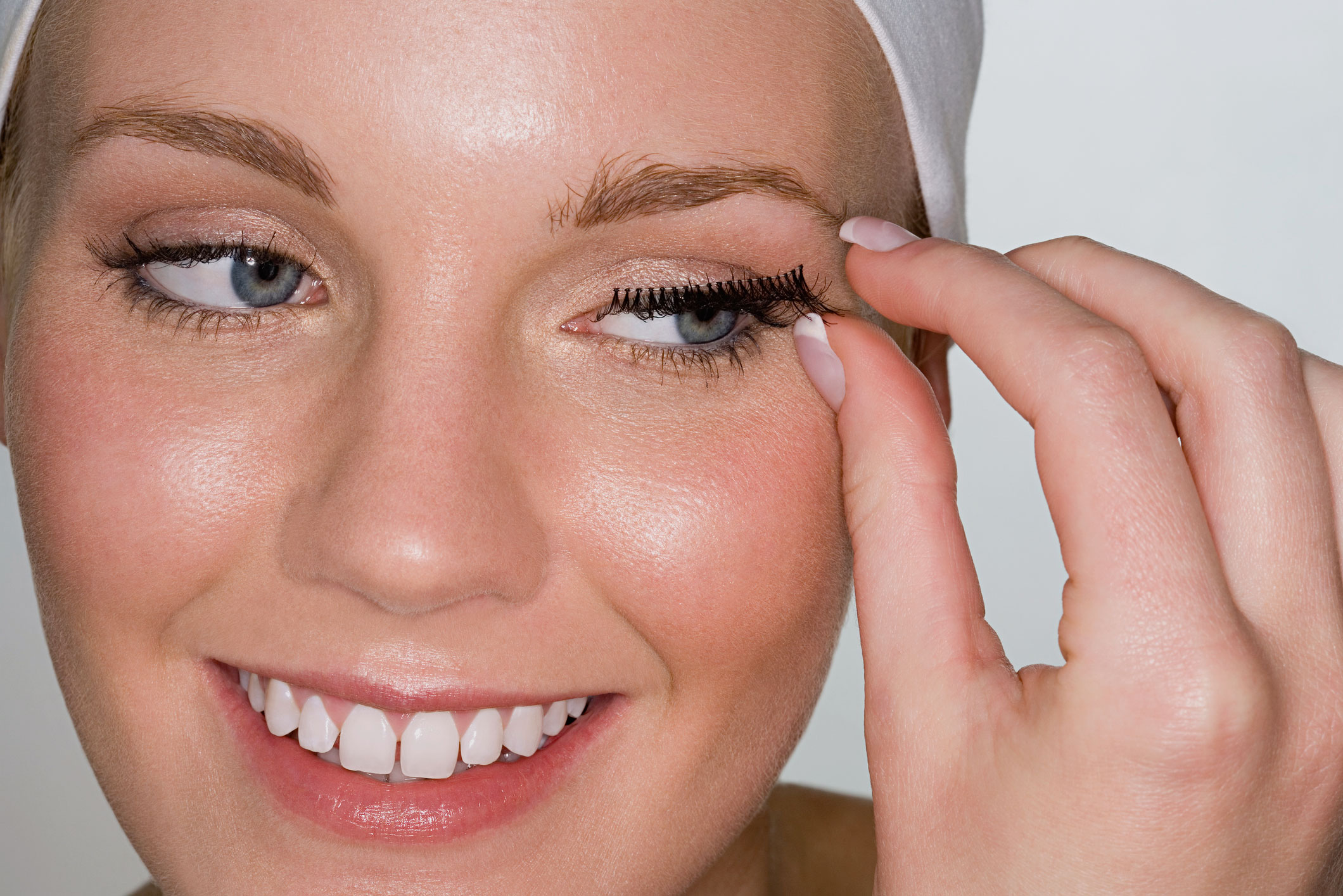 78c0ed839df You're using false eyelashes wrong - NZ Herald