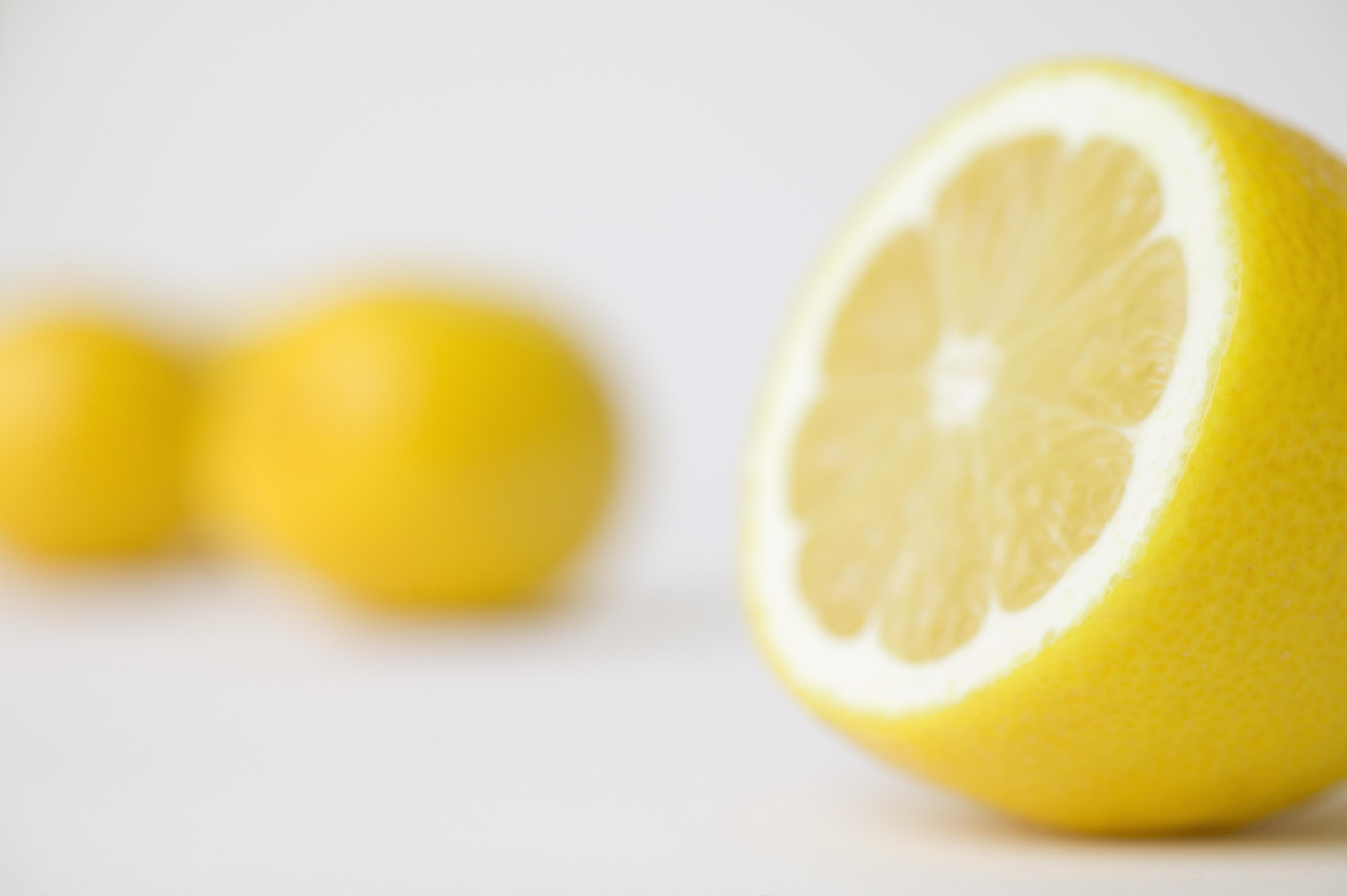 Lemons stop sperm swimming - study - NZ Herald