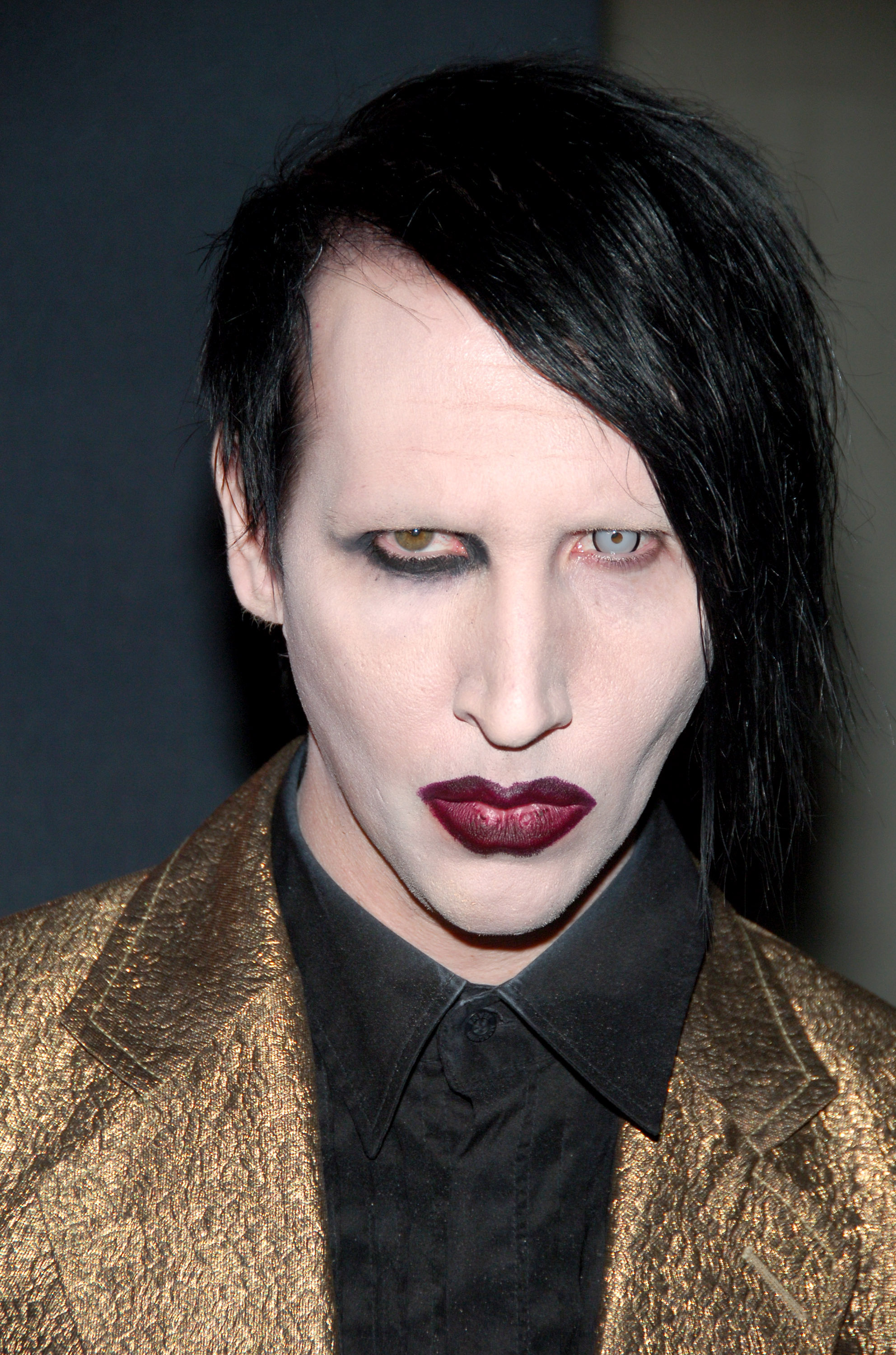 Marilyn Manson Says He Wants To Date A Nice Girl Nz Herald