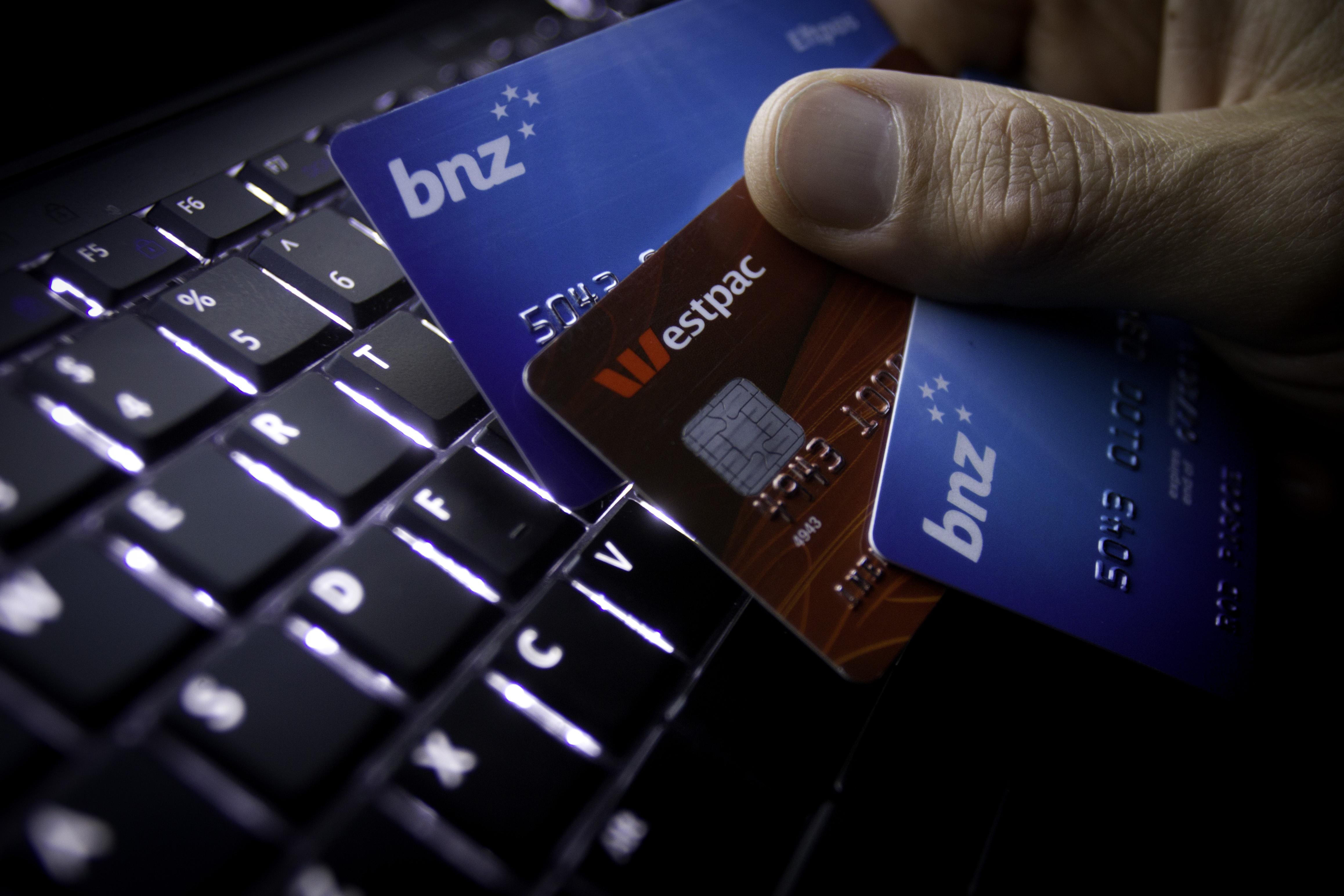 How do I transfer money from Kiwi to my phone Basic moments