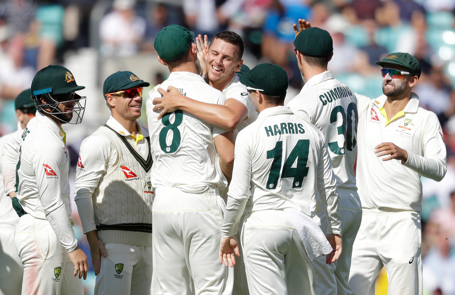 'Absolute stunner': Star burns Aussies in Ashes