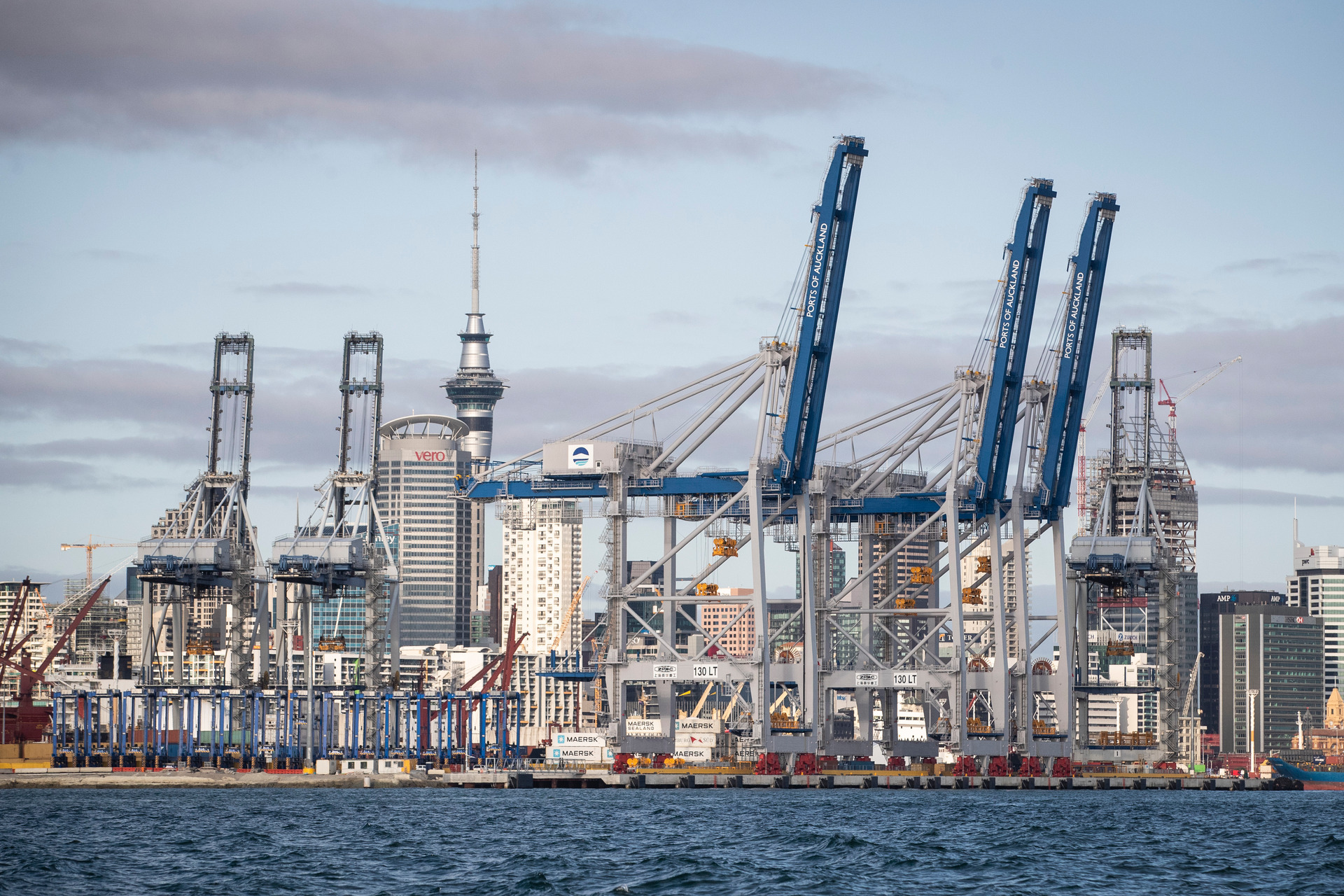 No cheap solution to Auckland port question