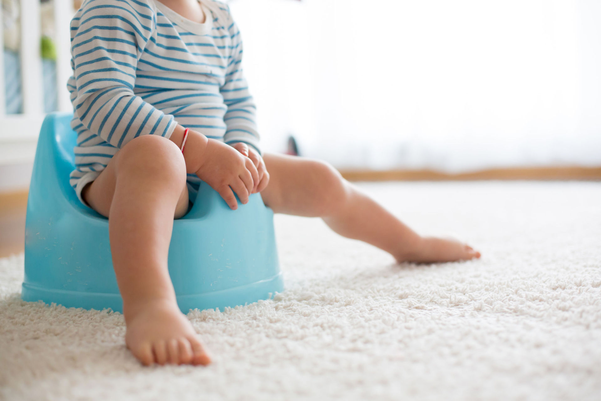 Mum praised for clever toddler toilet training hack