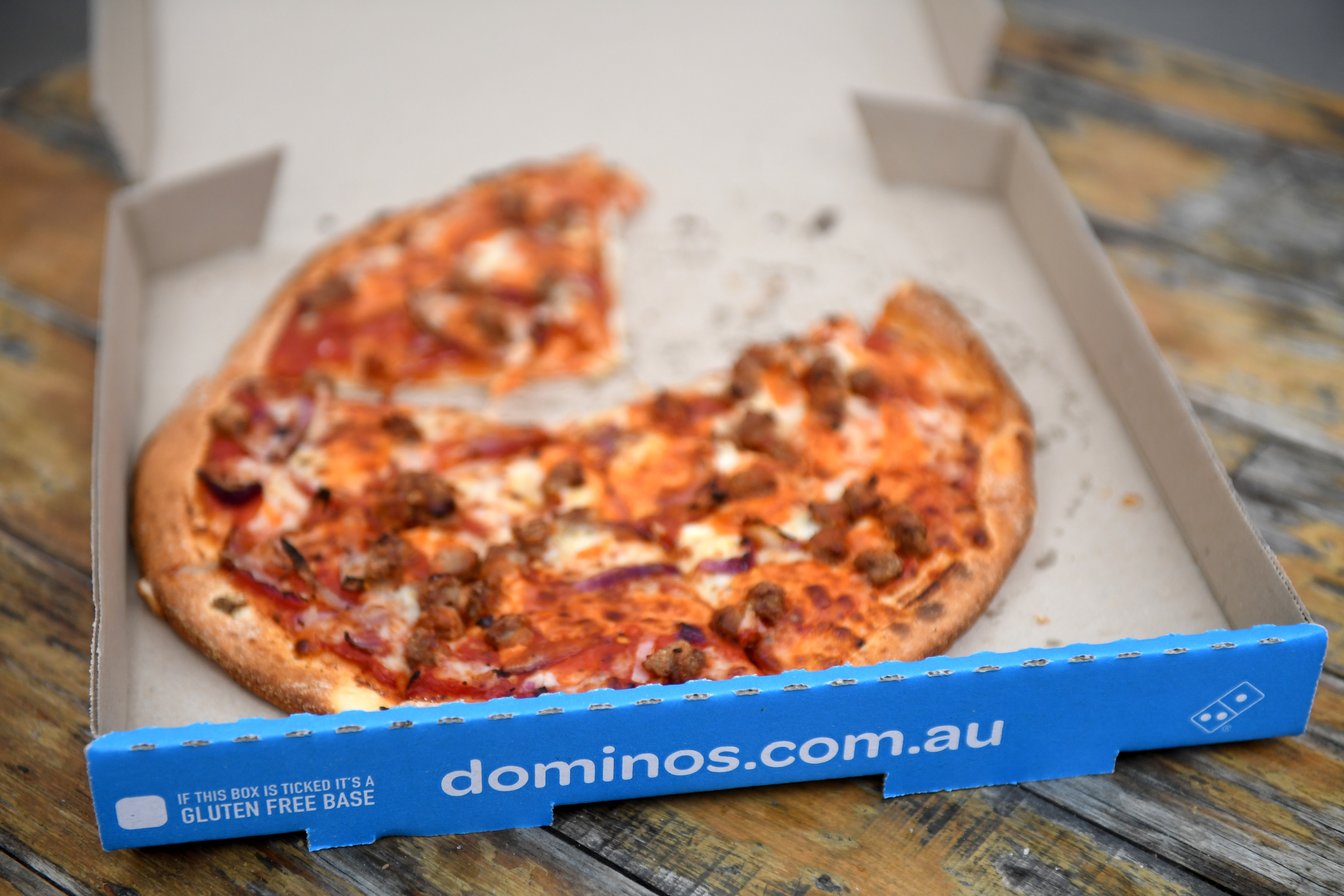 Is Dominos Open On Christmas.Christmas Menu Fail Drags Down Domino S Sales Nz Herald