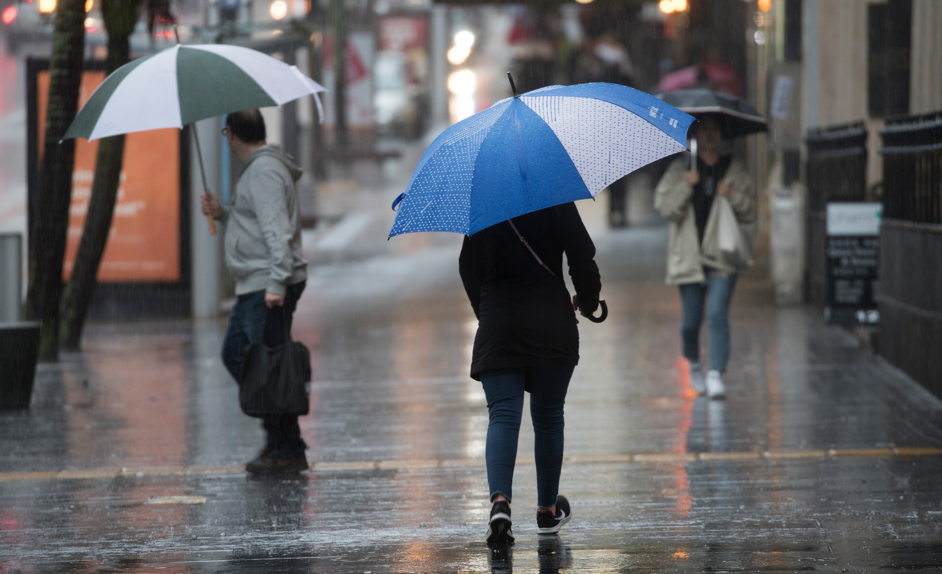 Your weekend weather: settled weather turns to wet long weekend