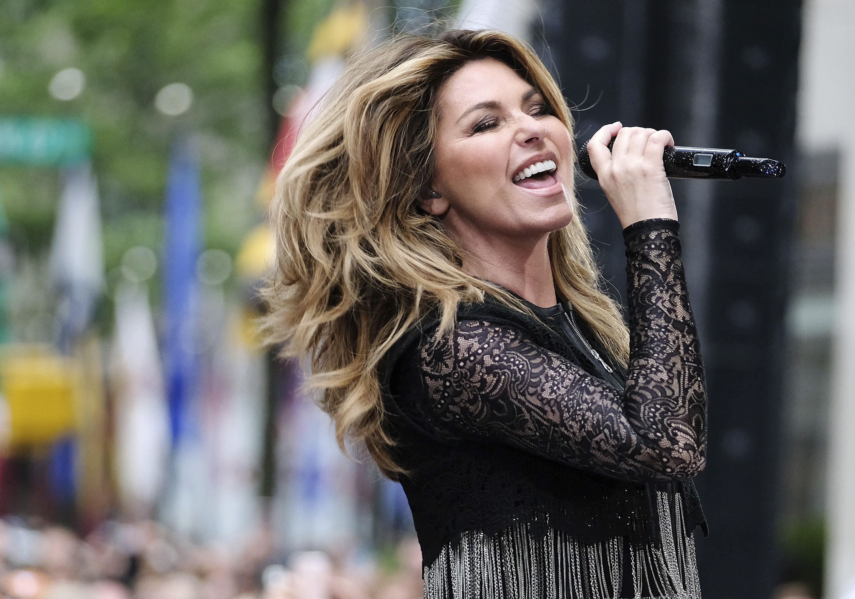 Mutt Lange And Marie Anne Thiebaud Wedding.Shania Twain Drops Her Ex Husband From Her Life After He Cheated On
