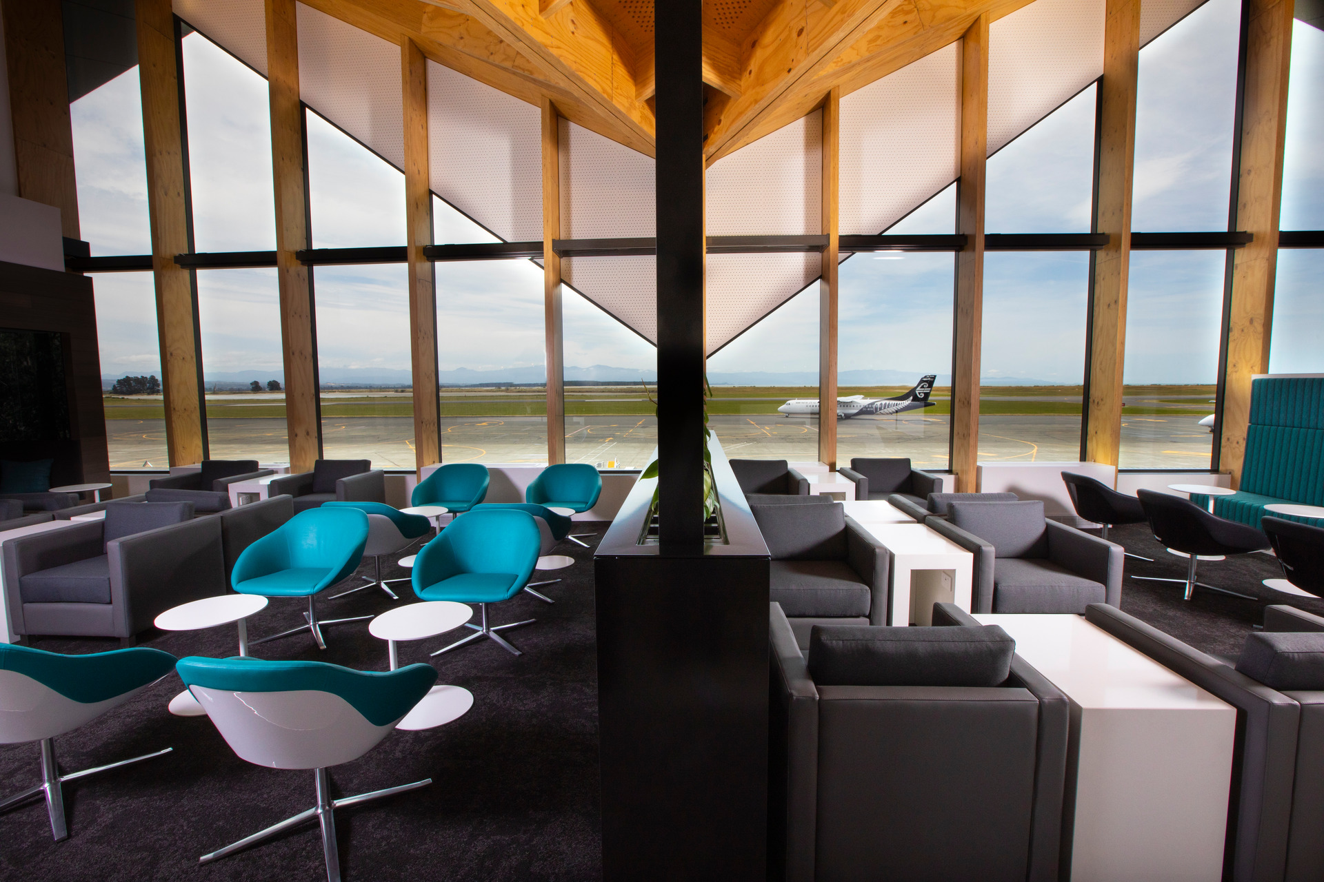 Air NZ opens latest lounge - complete with liquor licence