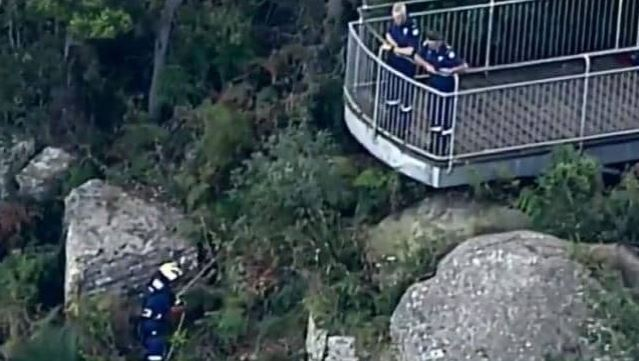 Woman and child found dead at lookout south of Sydney
