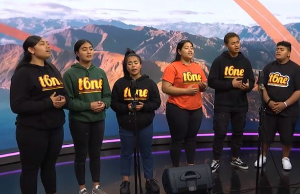 Teens' heartbreaking song for Samoan measles victims