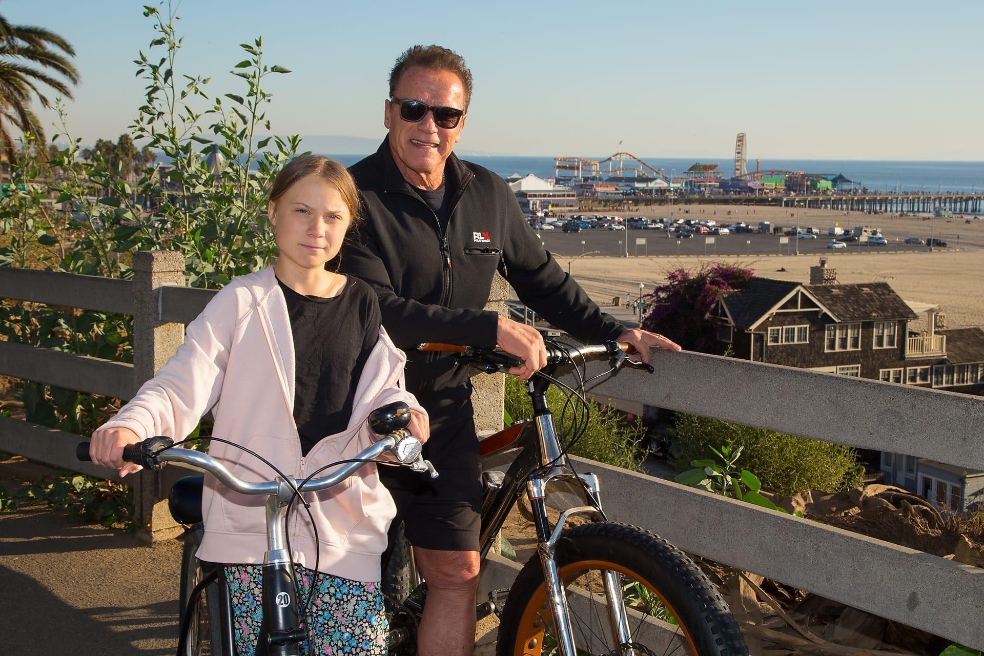 Amid 'ok-boomergate', Thunberg and Schwarzenegger go for a ride