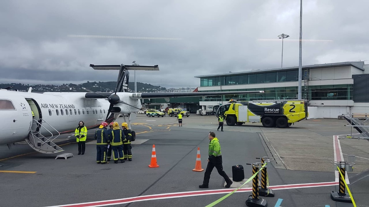 Vape on a plane sparks emergency airport response