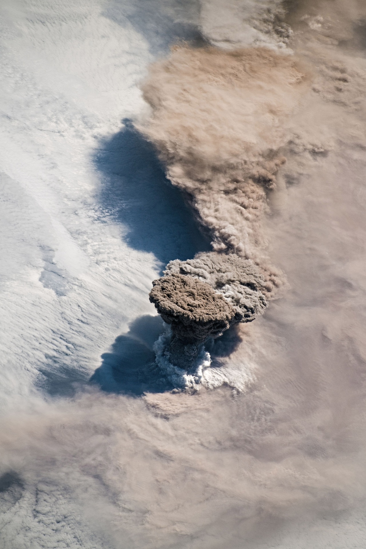 A view of a volcano eruption - from 400km above