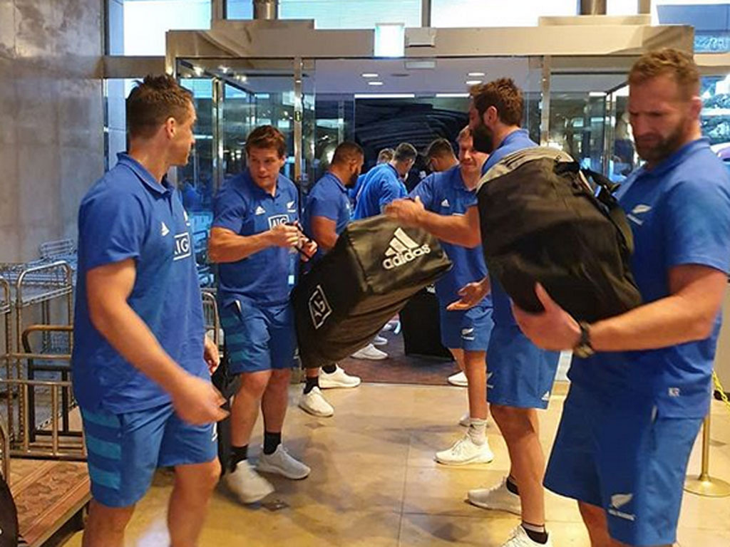 All Blacks' humble gesture wins fans in Japan