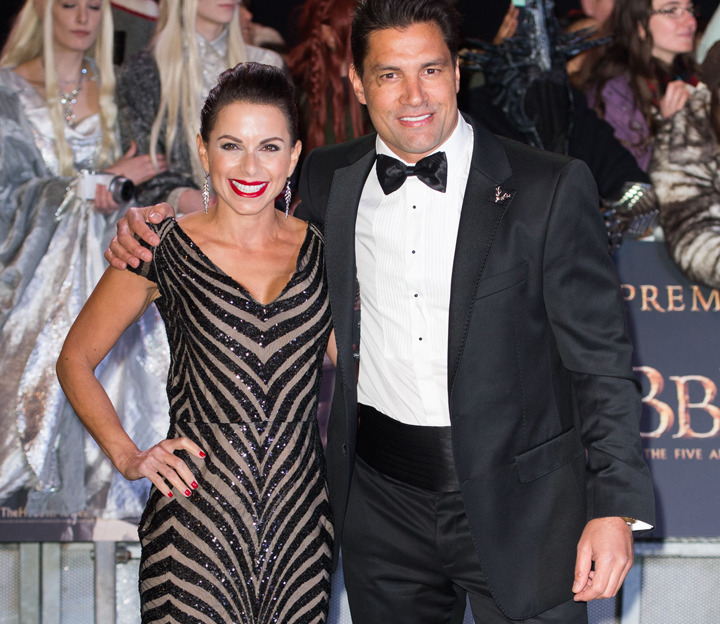 Manu Bennett's ex: 'He was on a plane 8 hours after I gave birth'