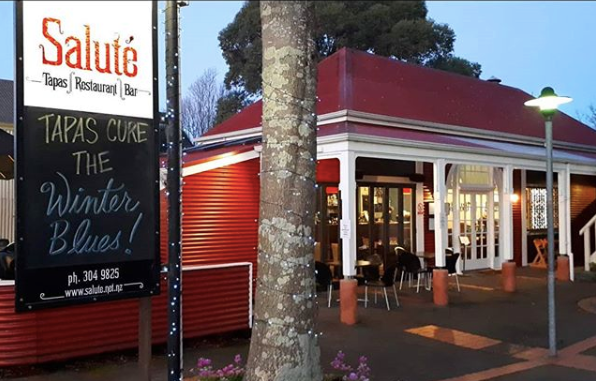 'We were floored': Kiwis rally to support restaurant owners after discrimination
