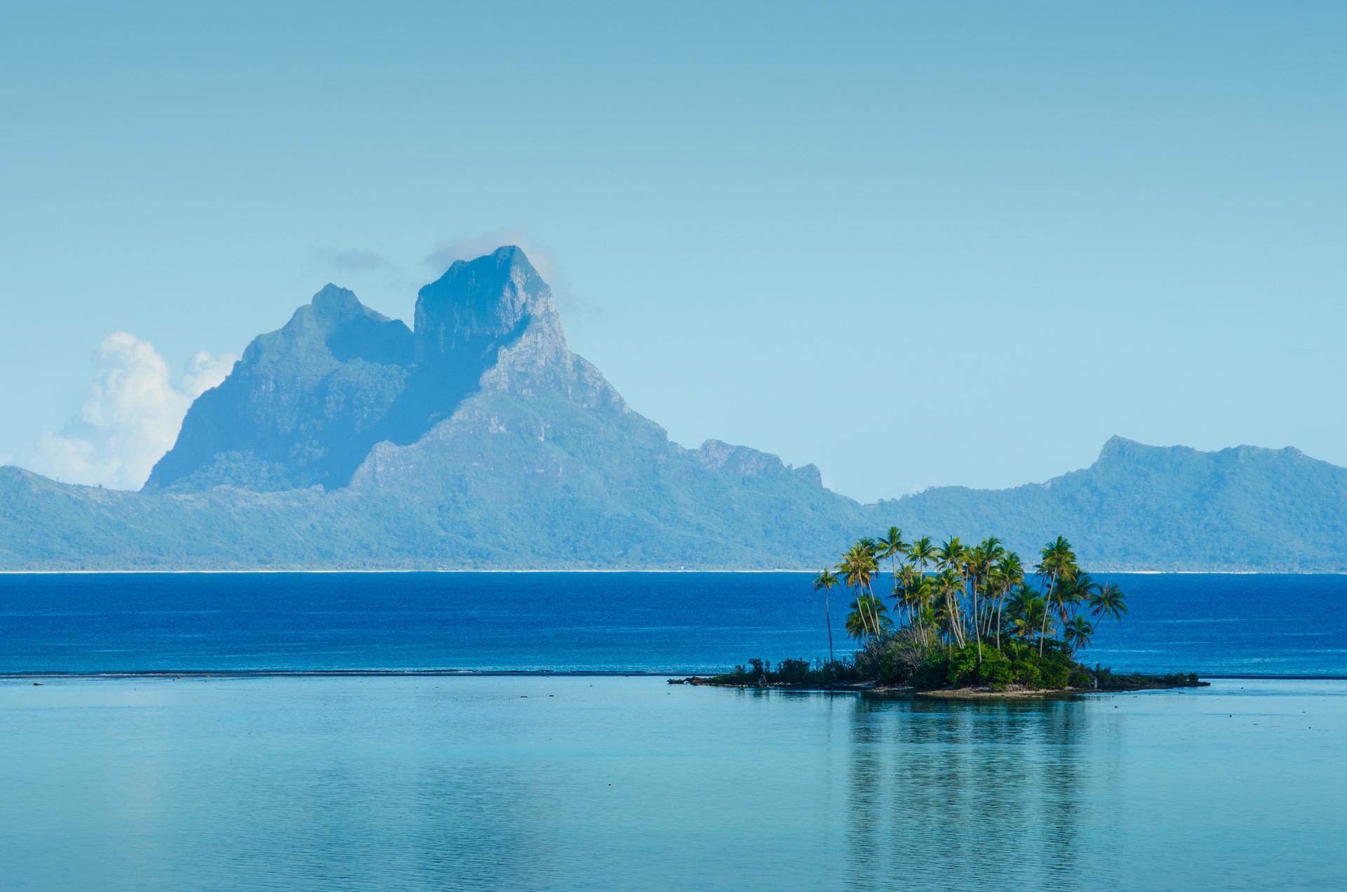Cruise cutback: Bora Bora floats big boats ban