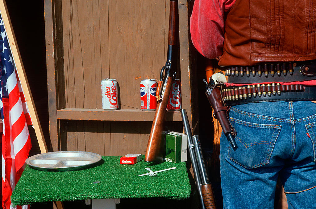 Gunslingers unholster real weapon at Wyoming show, after spectators shot