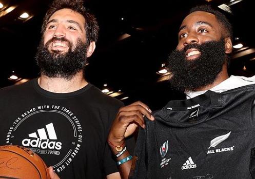 'Looks like a midget': All Blacks meet NBA stars in Tokyo