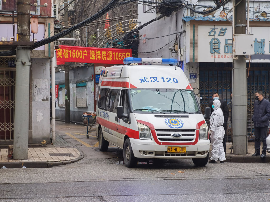 Dramatic response: China cuts off entire city as virus deaths rise