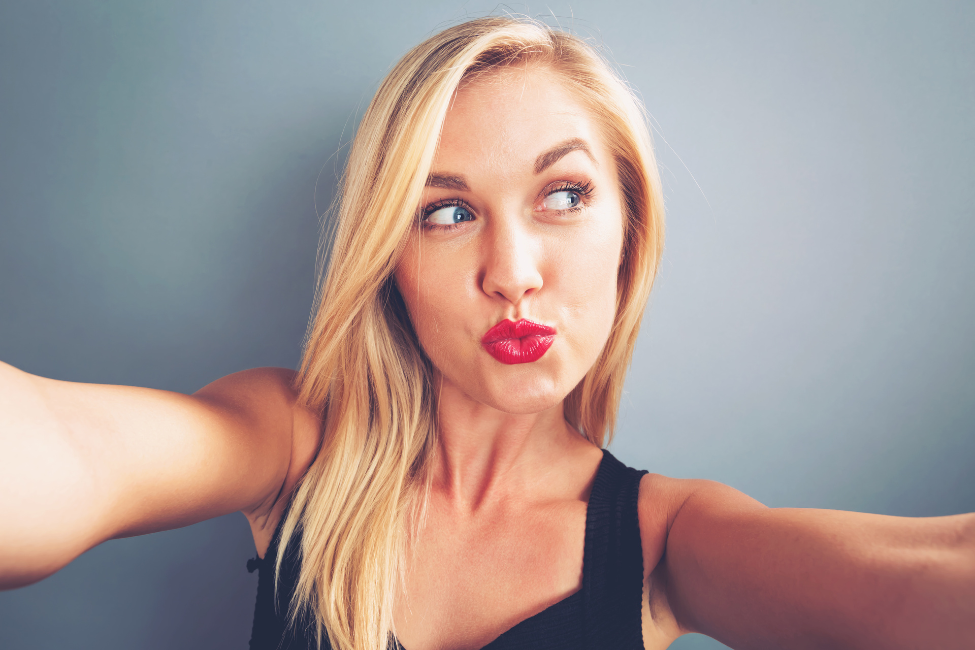 Rise in selfies puts gloss on L'Oreal's bottom line