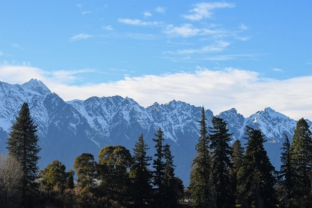 Search continues for climber on Mt Earnslaw