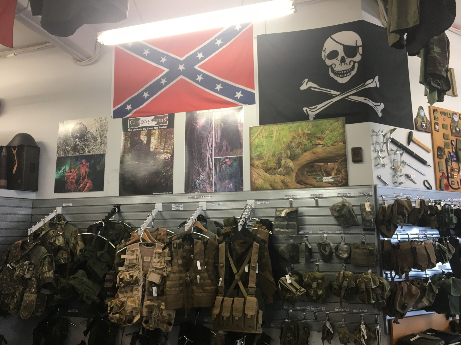 Auckland army surplus store takes down confederate flag after complaints