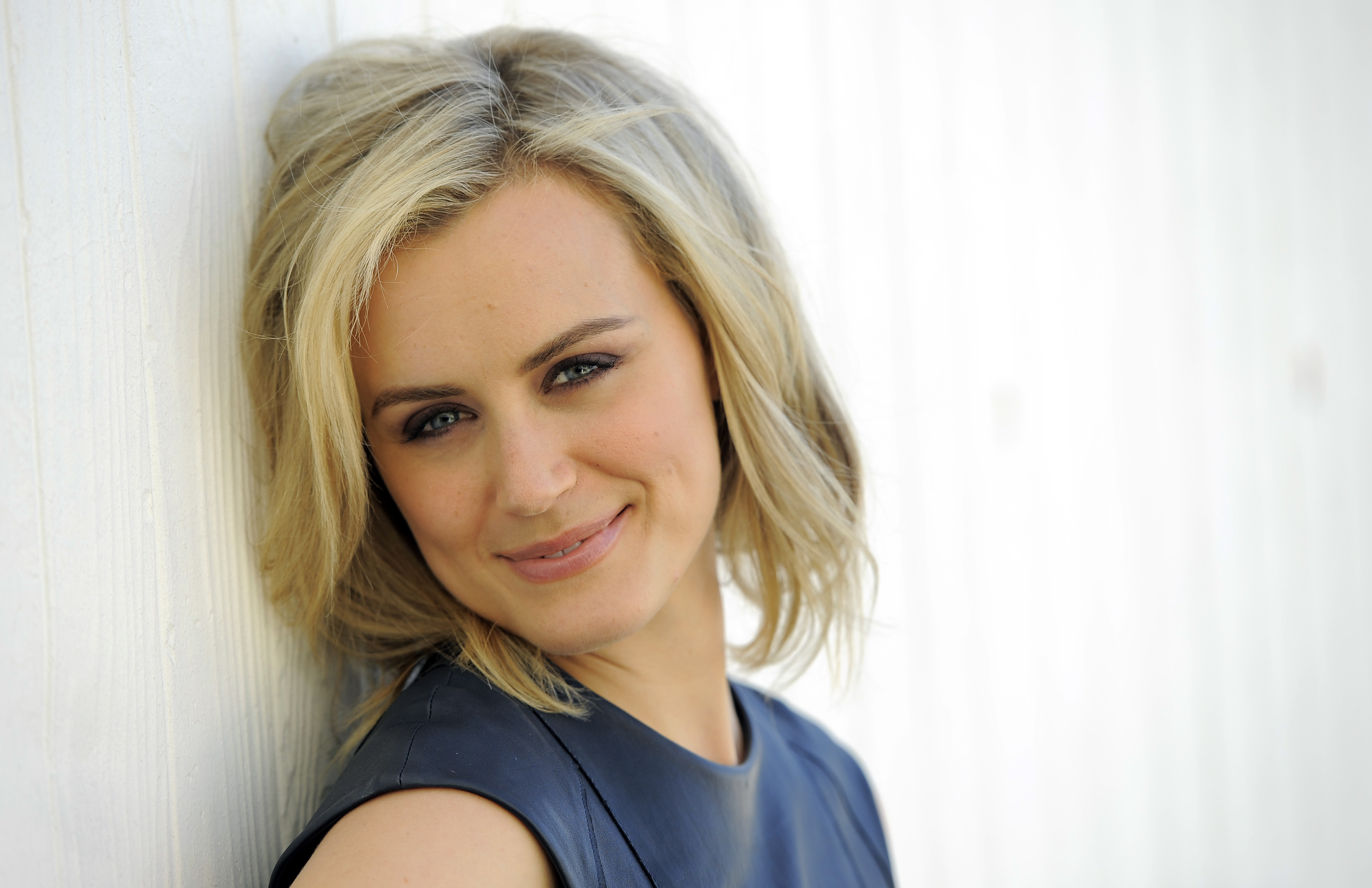 taylor schilling tapatalk