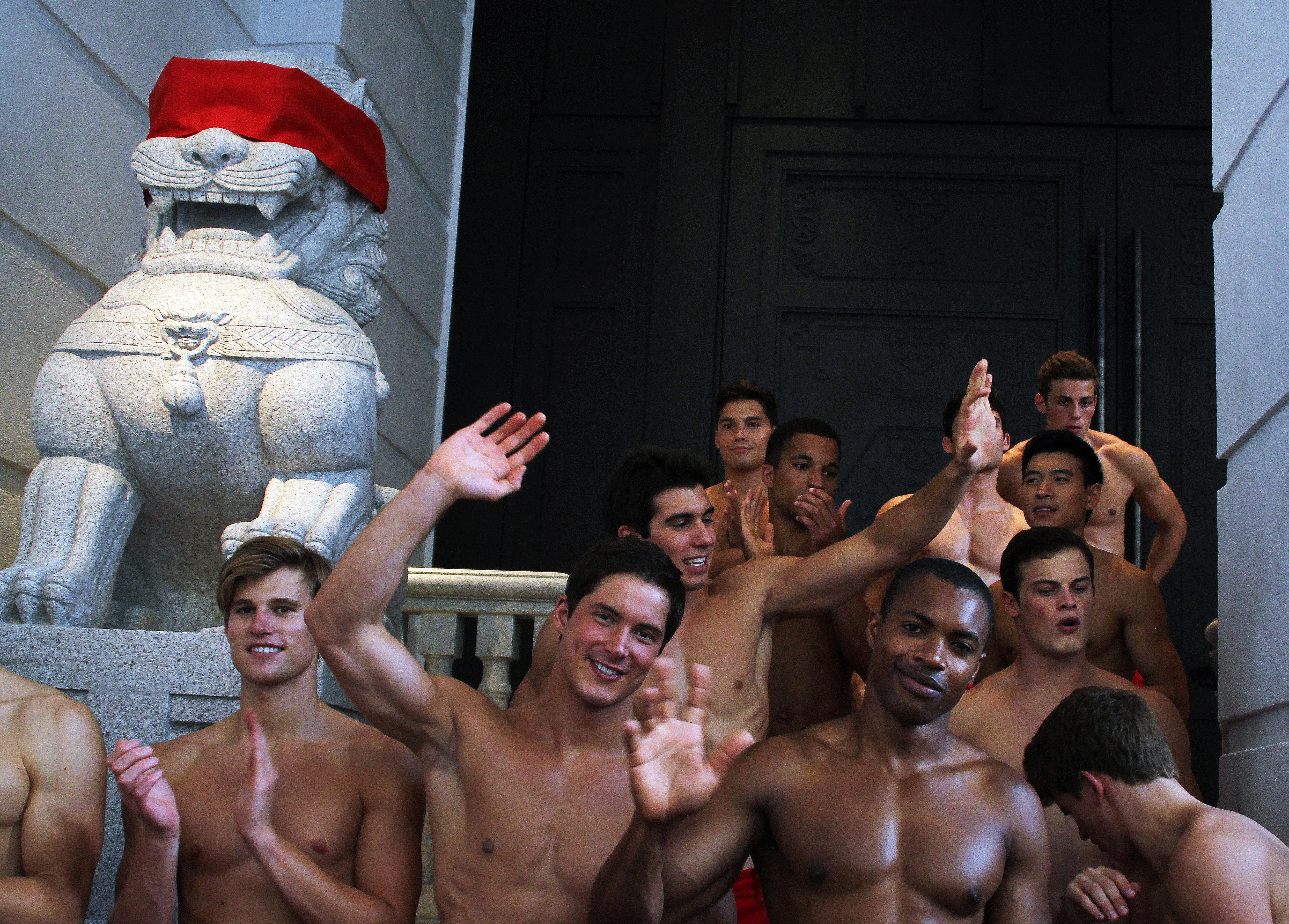 Abercrombie and Fitch ditches shirtless models - NZ Herald