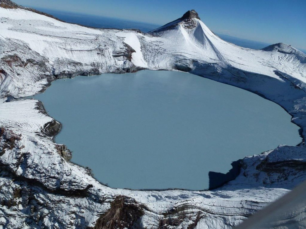 Scientists monitoring Ruapehu as crater lake heats up