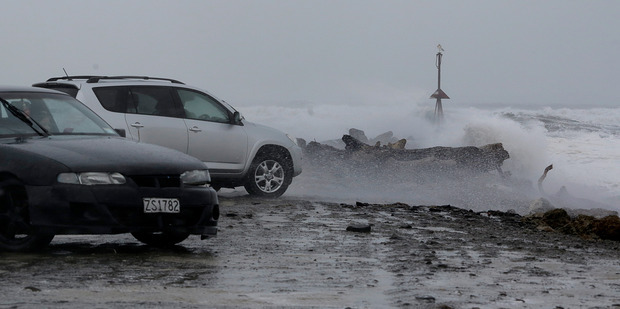 Rogue waves, heavy rain, 'hurricane-force' winds to strike
