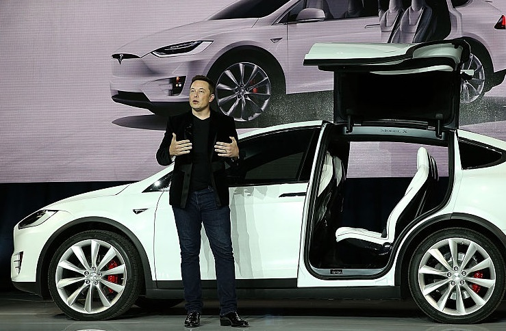 Elon Musk's audacious plan for Tesla robo-taxis in 2020