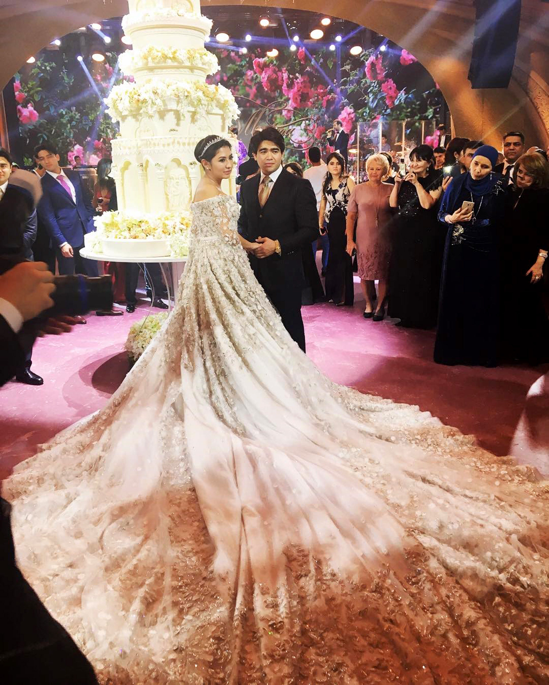 47efbcbb7 World s most lavish wedding  Daughter of oil tycoon weds in  873