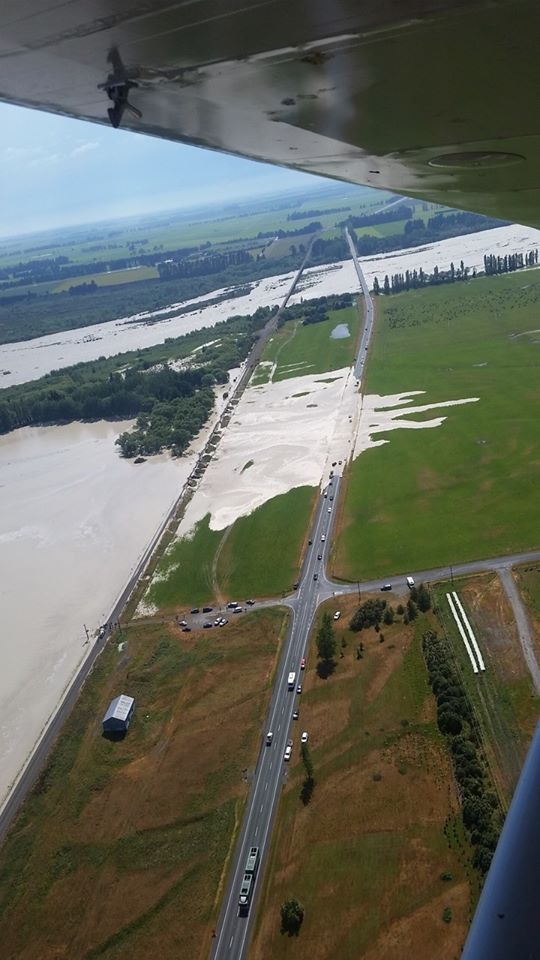 Wild weather: Timaru residents told to 'evacuate immediately', SH1 bridge washed out